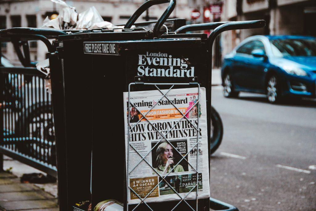 Krantenkoppen over de virusuitbraak